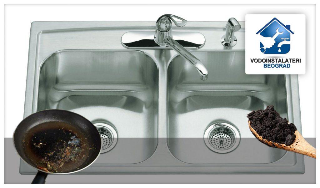 Zagušenje sudopere često je posledica taloga kafe i masnoće koju sipamo u nju.