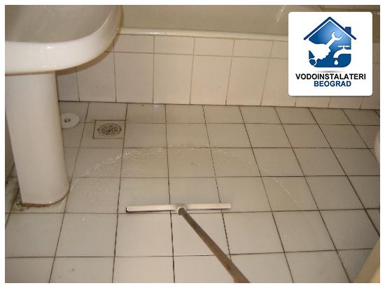 Pucanje ventila u kupatilu - poplava stana - Vodoinstalateri Beograd Tim