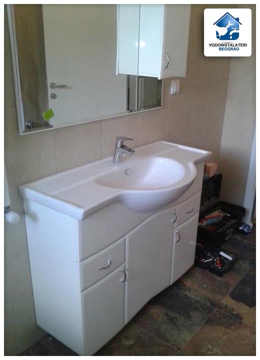 adaptacija kupatila - ugradnja lavaoboa sa ogledaom