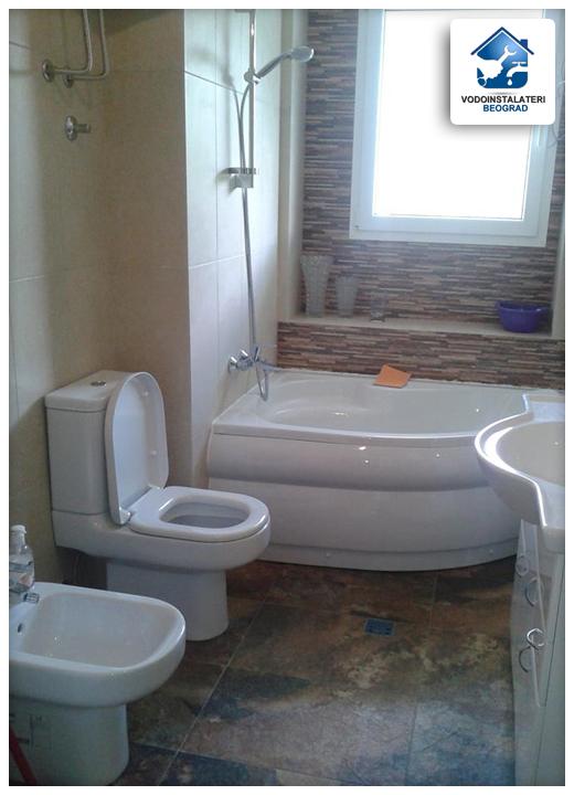 adaptacija kupatila Beograd - ugradnja tuš kabine, wc školjke, lavaboa sa ogledalom i bidea